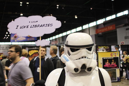 Stormtrooper Loves Libraries